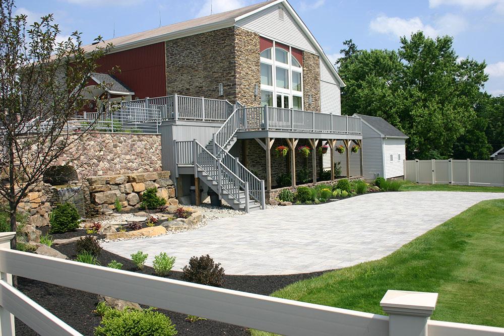 wall-stone-barn