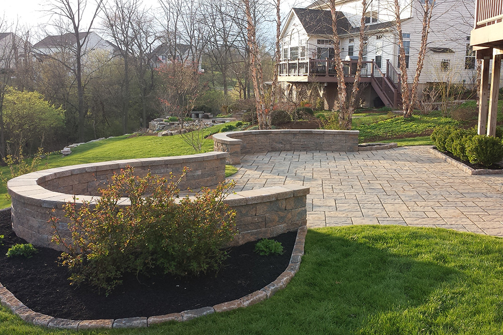 wall-pavers-patio