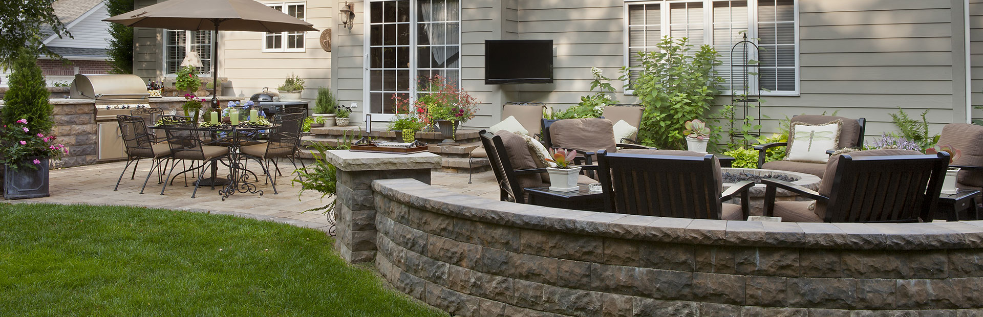 http://derstinelandscaping.com/wp-content/uploads/2019/08/patio-wall-hardscaping-slider.jpg